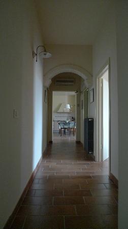 Il Casale Del Madonnino: Hallway