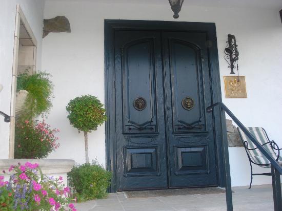 Chateau du Sureau: Doors