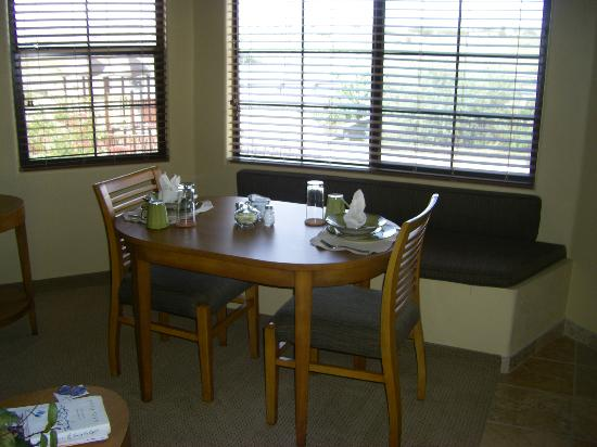 Highlands Resort at Verde Ridge: cozy dining area