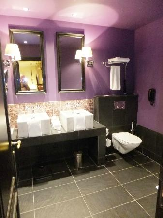 Hotel Des Indes, a Luxury Collection Hotel : Bathroom