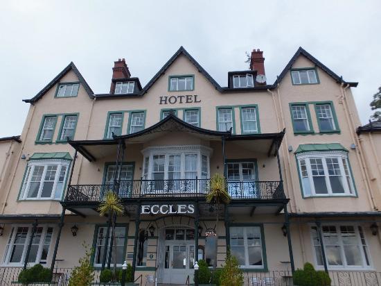 Glengarriff Eccles Hotel: Vista de la fachada
