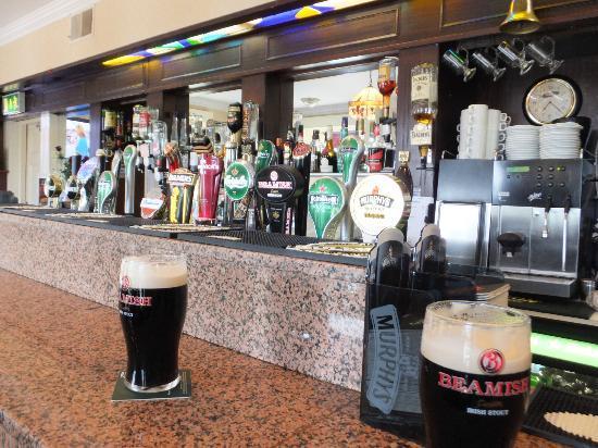 Glengarriff Eccles Hotel: Pub del Hotel