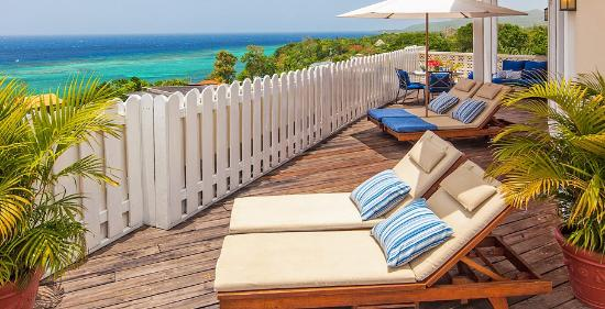 Beaches Ocho Rios Resort & Golf Club: Prime Minister Penthouse Oceanview One Bedroom Suite