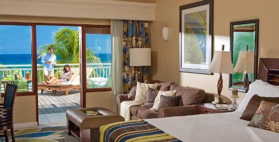 Beaches Ocho Rios Resort & Golf Club: Royal Orchid Honeymoon Oceanfront Patio Terrace Suite