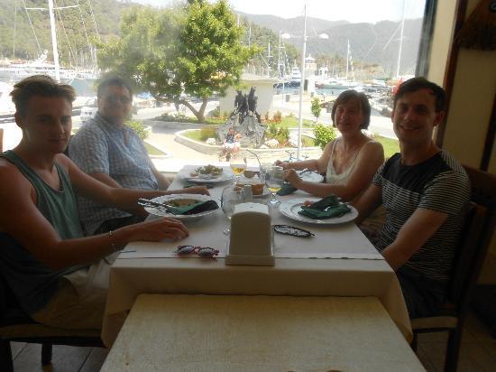 Restaurant Jan de Wit : Happy Customers