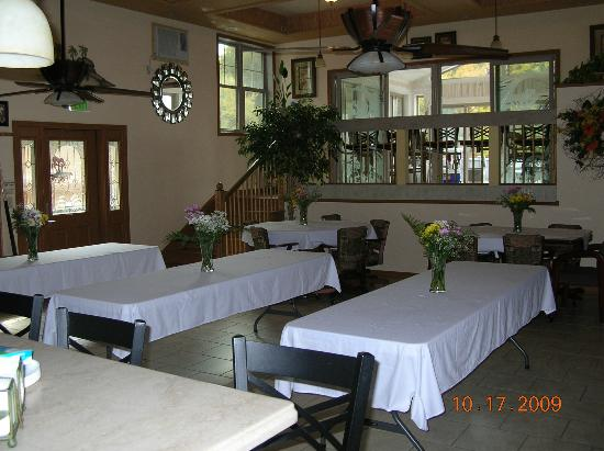Lighthouse Lodge B&B: recreation room set up for inside banquet