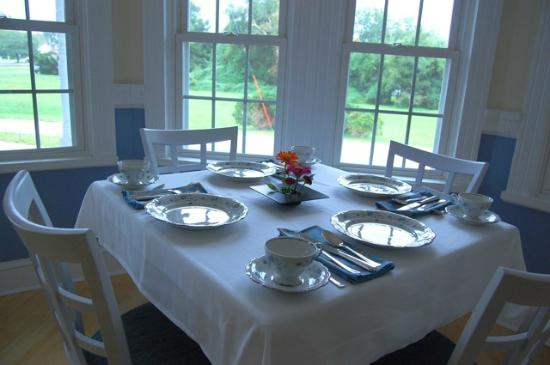 Waystead Inn: Breakfast Table
