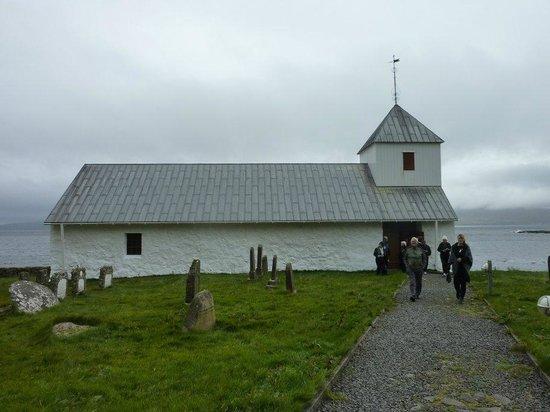Kirkjubour, Faroe Islands: Bygd i solid stein.
