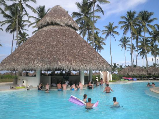 Secrets Royal Beach Punta Cana Swim Up Bar