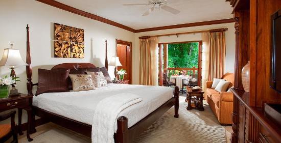 Beaches Negril Resort & Spa: Beachfront Three Bedroom Suite
