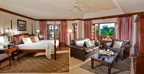 Beaches Negril Resort & Spa: Beachfront Suite