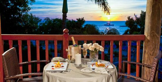 Beaches Negril Resort & Spa : Honeymoon Suite