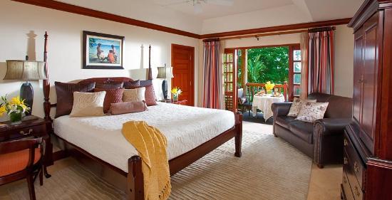 Beaches Negril Resort & Spa: Honeymoon Grande Luxe Beachfront Concierge Room