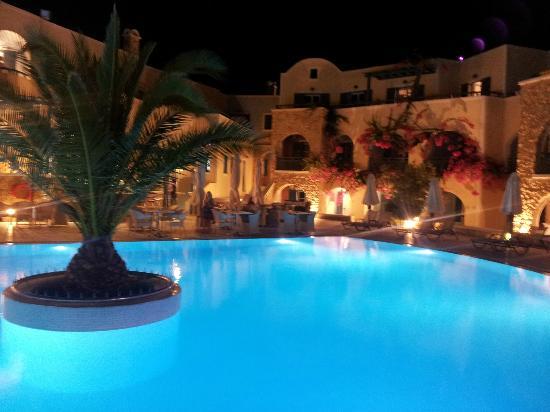Aegean Plaza Hotel: Main Pool