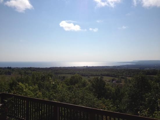 Irish Mountain Bed and Breakfast: view of Georgian Bay 