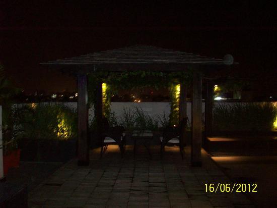 Melange Astris: Small hut on terrace, 8th floor