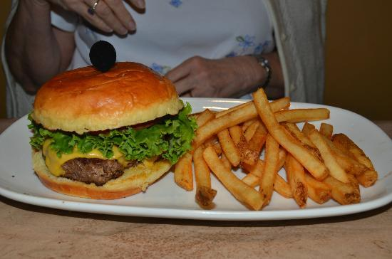 LongHorn Steakhouse: Burger and fries