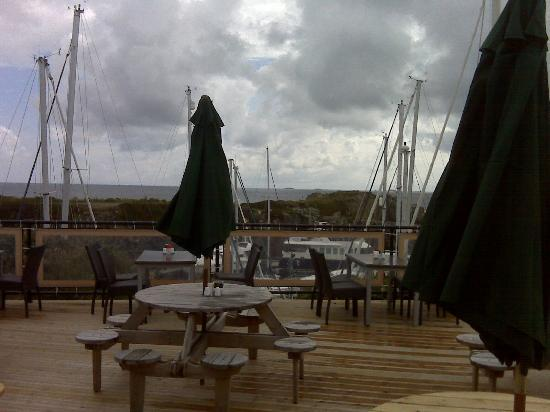 Beaucette Marina Restaurant & Bar: Overlooking the marina