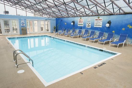 Admiral Hotel: Indoor Pool