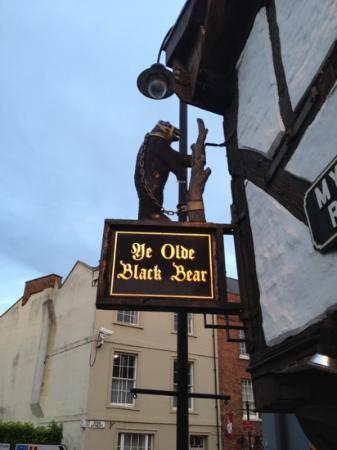 Ye Old Black Bear Inn