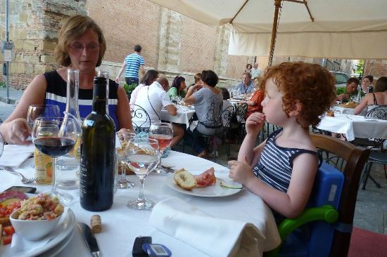 Ai Quattro Venti: The terrace with our antipasti and wine