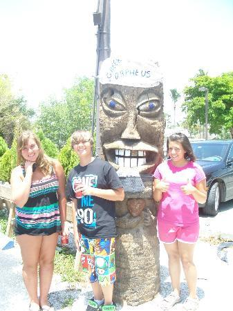 Orpheus Cafe Diner: Kids with the Orpheus Tiki