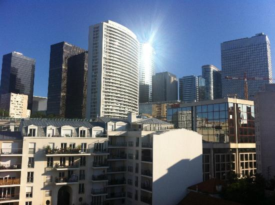 Home in La Defense: view on La Defense