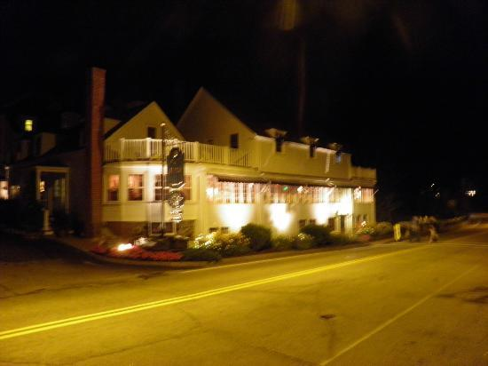 1637 at York Harbor Inn: York Harbor Inn