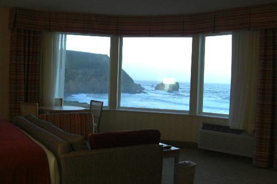 Holiday Inn Express Hotel & Suites Pacifica: view from suite