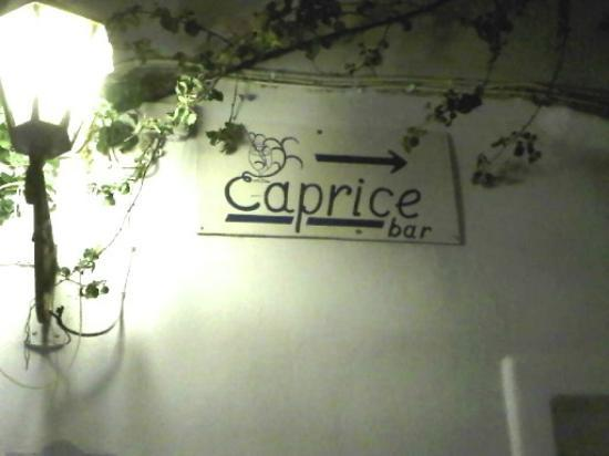 Palladium Boutique Hotel: 15 mins on the bus to Mykonos old town and the legendary Caprice....