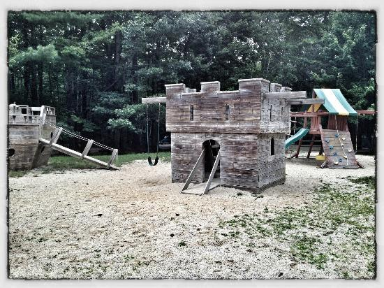 Sebago Lake Family Campground: Playground