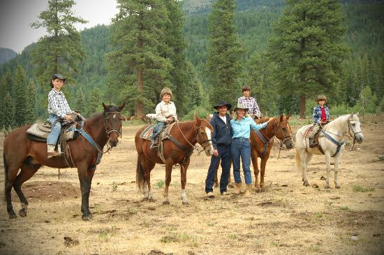 Wilderness Trails Ranch: Before a family ride