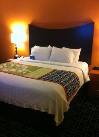 Fairfield Inn & Suites Seattle Bellevue/Redmond: King Bed Room