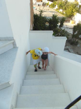 Fikas Hotel: Stairs