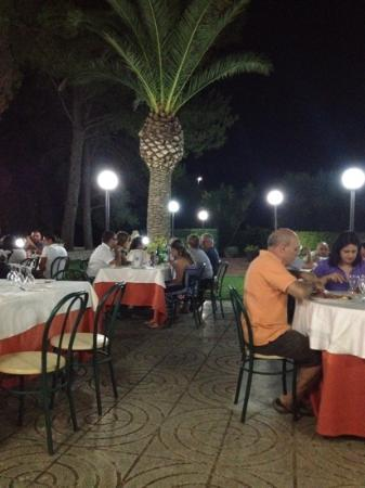 Al Torchietto: out door dining