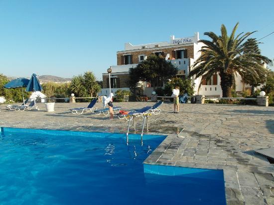 Fikas Hotel: Pool