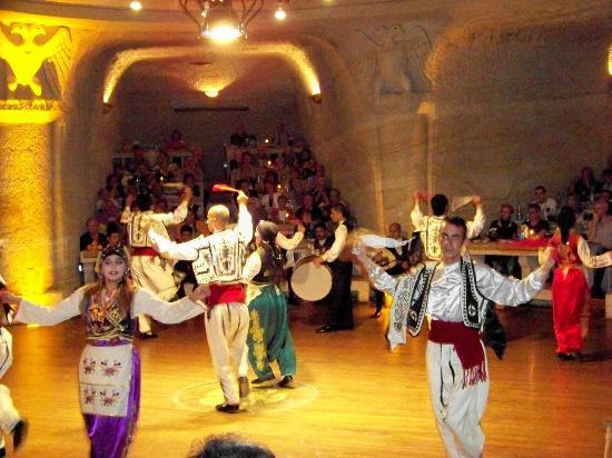 Uranos Restaurant - Türk Gecesi Gösterisi: Uranos Sarikaya dinner show, Urgup Turkey