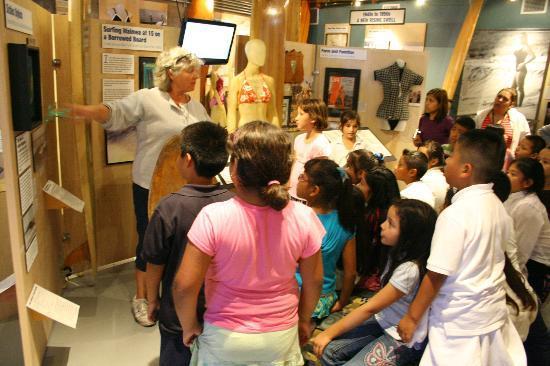 California Surf Museum: Jane Schmauss gives a school tour.