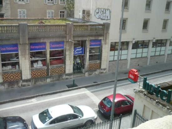 Ibis Besancon Centre Ville : view from room