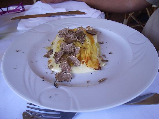 Restaurant Marino Kremenje: Formaggio fuso con tartufo