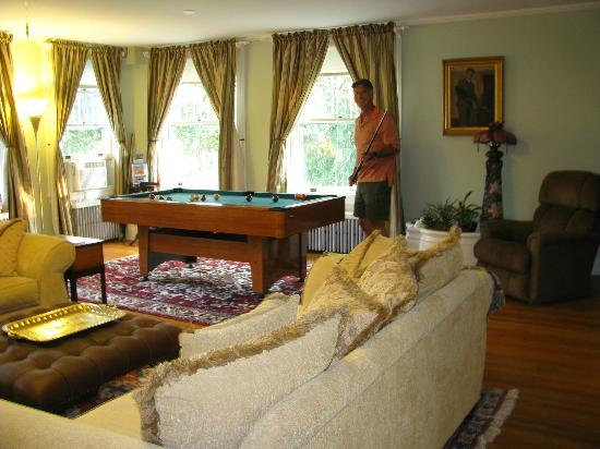 The Post Cottage: Living Room
