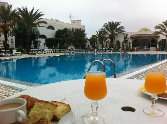Hotel Le Tivoli : pool