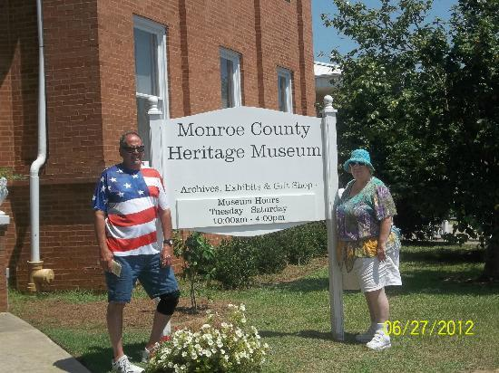 Old Monroe County Courthouse and Heritage Museum: In front of the museum