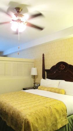 Ayres Hotel Laguna Woods: room # 235