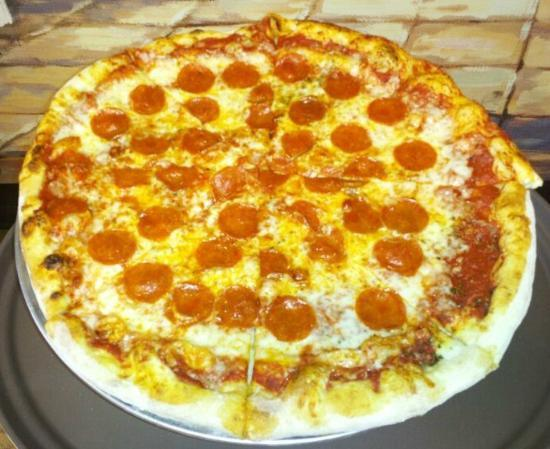 """Uncle Gino's Pizza: 18 """" Pepperoni Pizza"""