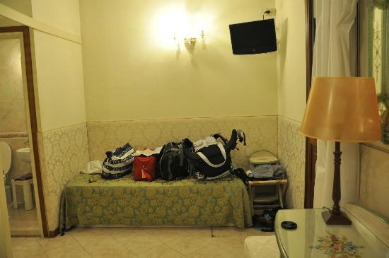 Hotel San Salvador: spacious room