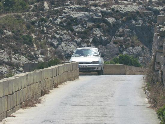 Amy's Guided Tours of Malta & Gozo - Tours: A typical side road in Gozo