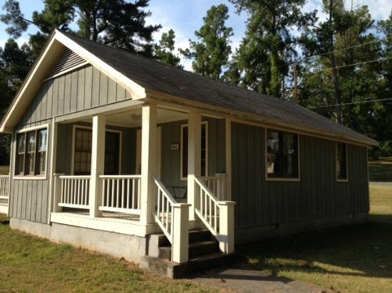 Kentucky Dam Village State Park: 2 bdrm, 1 bath cabin with deck and porch