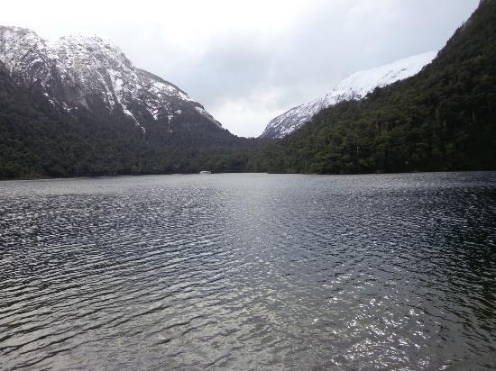 Turisur Navegando la Patagonia: Vista do lago Nahuel Huapi