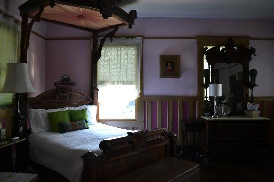 Bernibrooks Inn: The Royal Room